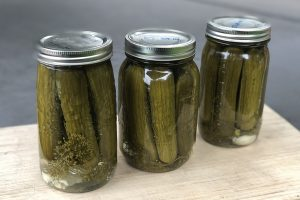 Dill Pickles with Garlic